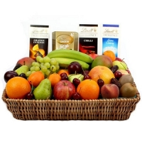 Lindt Chocolate and Fruit Hamper