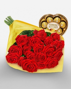 24 red roses w/ferrero heart