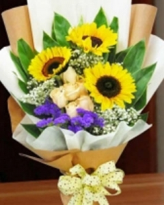 3-sunflower-and-white-roses-hand-bouquet