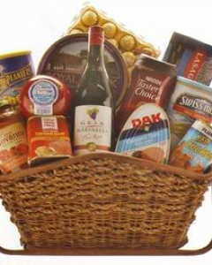 BASKET FOR THE HOLIDAYS